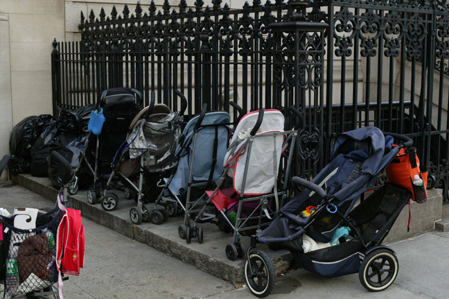 Oto Gillen - Stroller Parking